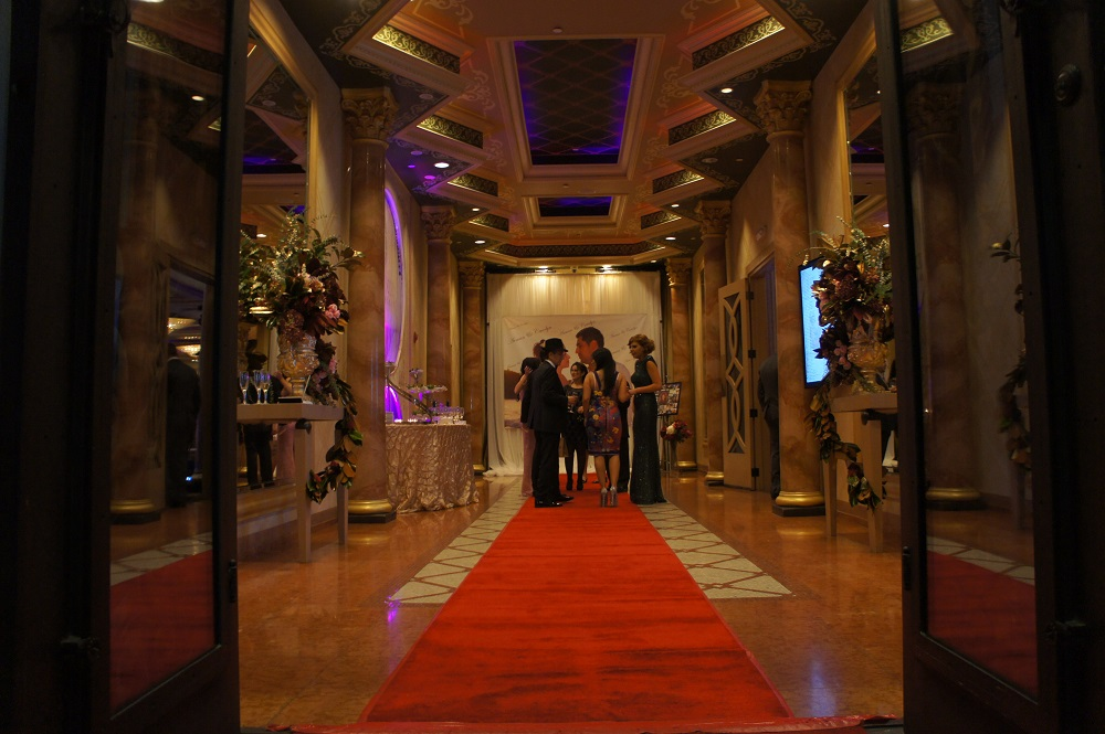 The De Luxe Foyer