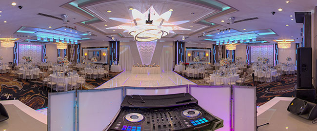 De Luxe Event Venue - Technological Capabilities