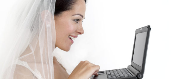 bride organizing and planning wedding - best wedding apps
