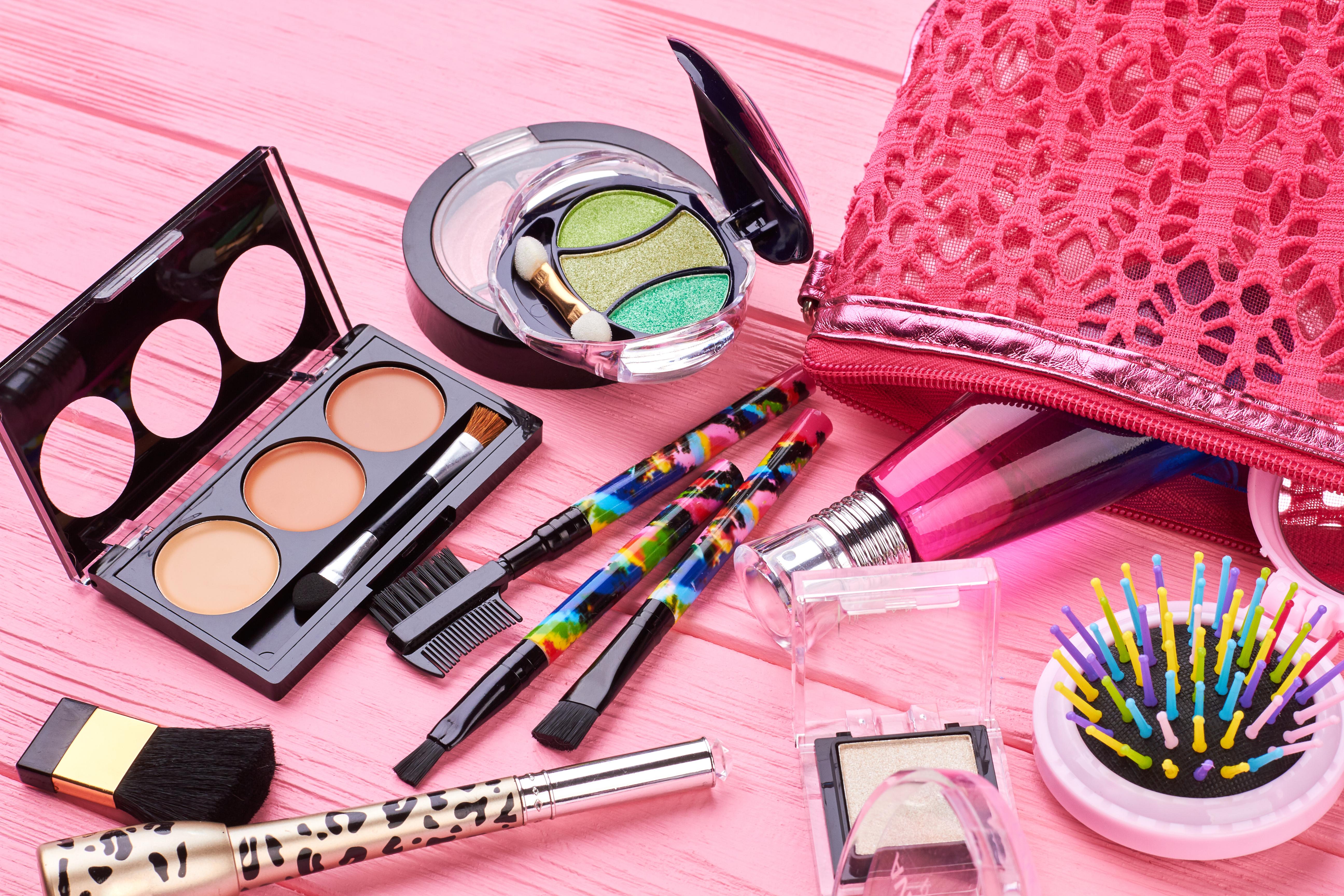 makeup - wedding day emergency kit
