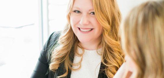 Professional Wedding Planner Smiling - Header