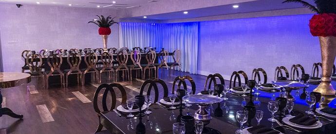 De Luxe Lounge