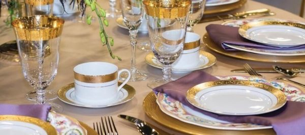 De Luxe Banquet Hall - Catering & Dining